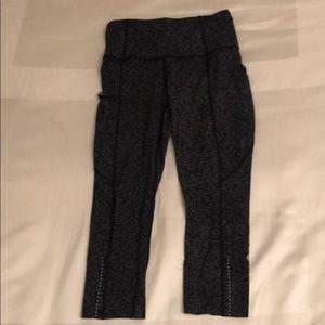 Lululemon Nulux crop pants